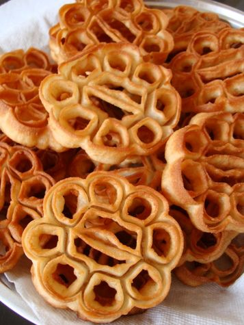 The 945 best indian snack sweets food images on pinterest deep rose cookies brings back memories from christmas time with family in india forumfinder Image collections
