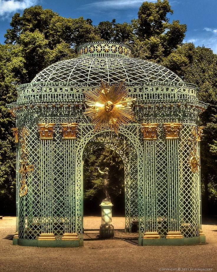 Palace of Versailles: garden detail | Masquerade au Château | Rosamaria G Frangini
