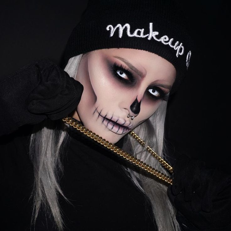 This epic skull makeup is perfect for Halloween, and also super affordable