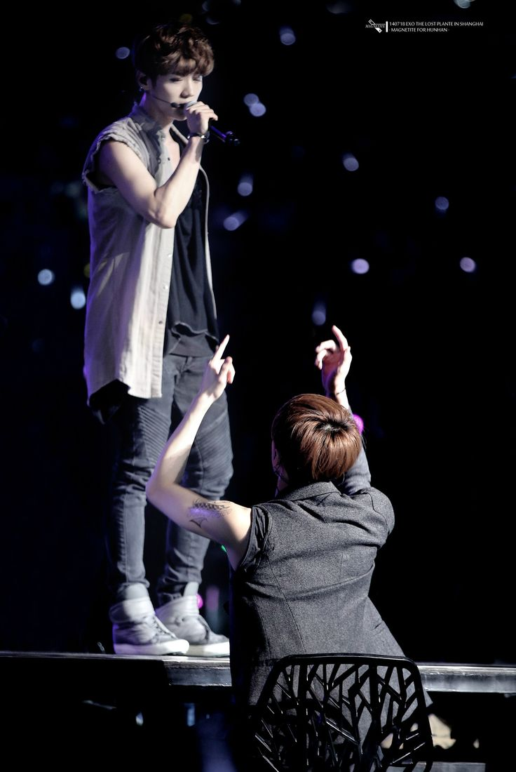 140718 EXO The Lost Planet in Shanghai Day 1 - Sehun & Luhan #HunHan ♥