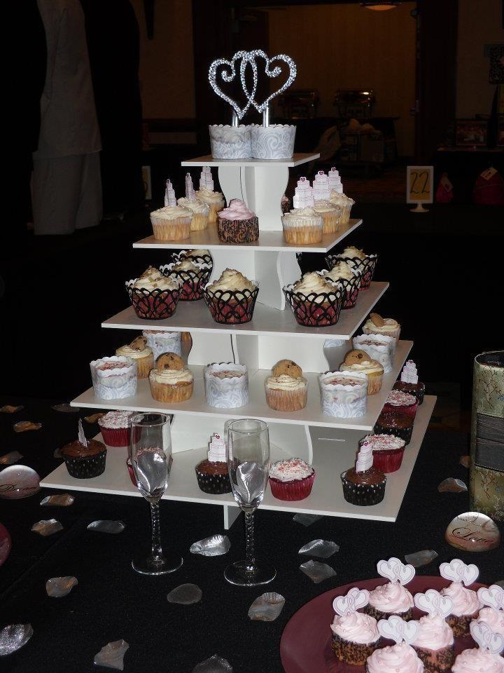 Square Wedding Cupcake Tower Display: http://www.thesmartbaker.com/5-tier-square-cupcake-tower/