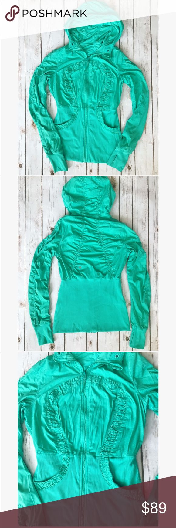 💗 Gorgeous Lululemon two faced hooded jacket 💗 💗 Gorgeous Lululemon hooded jacket in size S, this jacket also can be worn on both sides its two faced I been wearing it only on the side I took pictures on but you can wear it on both sides the color is the same on both sides. Any questions please let me know 💗 lululemon athletica Jackets & Coats