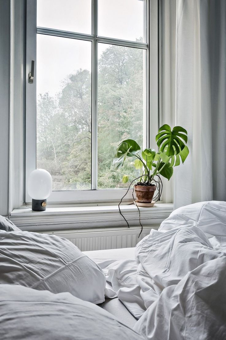 Cozy light filled home with lots of plants | Schlafzimmer | bedroom ...
