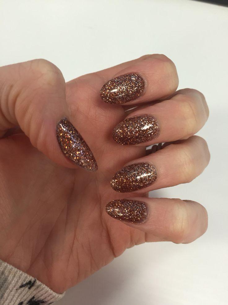 Bronze glitter nails