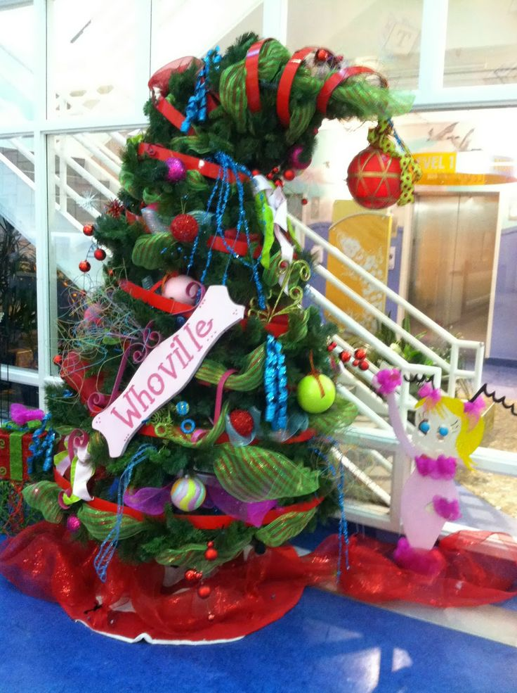 Whoville Christmas tree Whooville Christmas Grinch