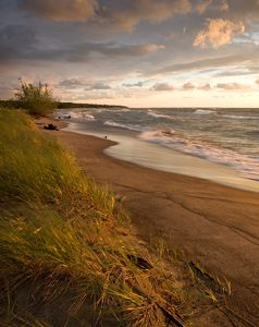 A summer's view of Headlands Beach State Park in Mentor, Ohio