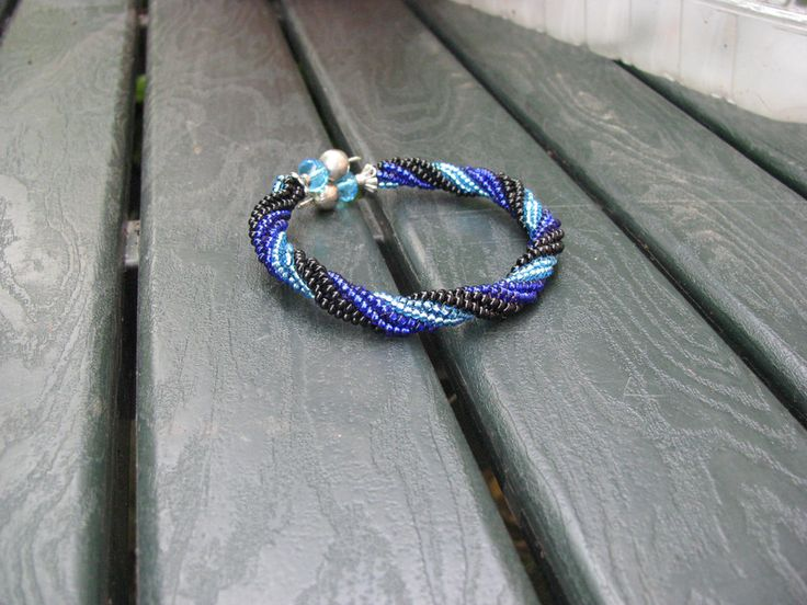 Braccialetti - Bracciale rigido a spirale tecnica herringbone  - un prodotto unico di RaffaellaRizzioli su DaWanda