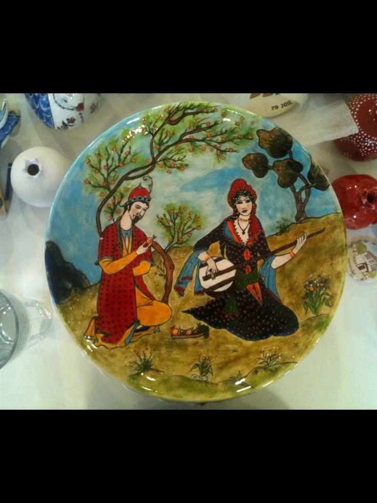 Mihrican Sabancılar 30 cm çini tabak    200  tl  ye    özel  sipariş    satıldı  .