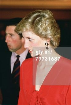 6 nov 1985 Diana, Princess of Wales in Canberra during a royal tour of Australia, She is wearing a dress by designer Victor Edelstein (Photo by Tim Graham/Getty Images)