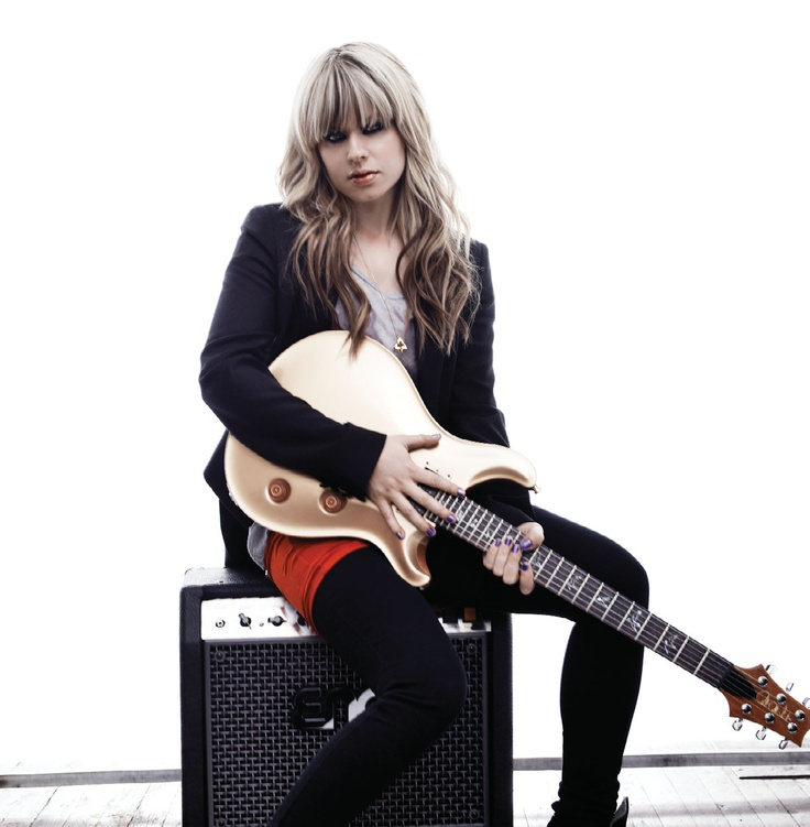 girls with their guitars