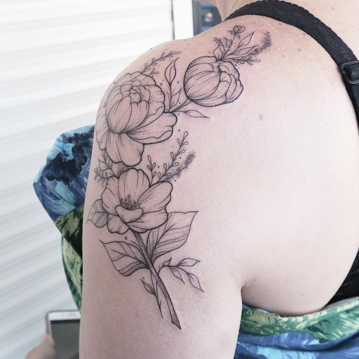 15 tattoo artists die de mooiste bloemige creaties maken - NSMBL