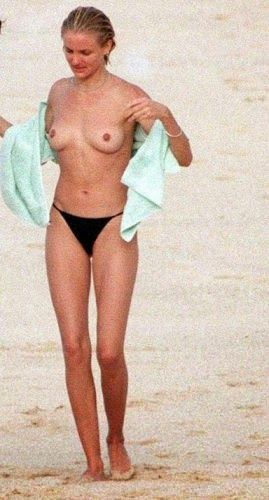 hands on hip topless