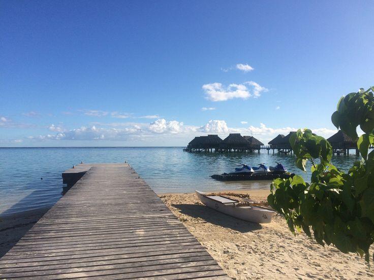 Vista dalla spiaggia #polinesia #moorea #hiltonhotel #mare
