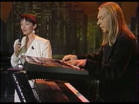 Sebestyen Marta Deep Forest - Marta's song live (cca 1995) - YouTube