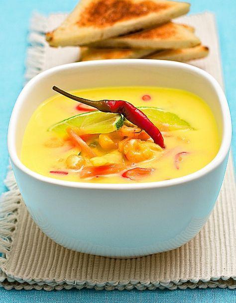 Thajská kuřecí polévka Tom Kha Gai
