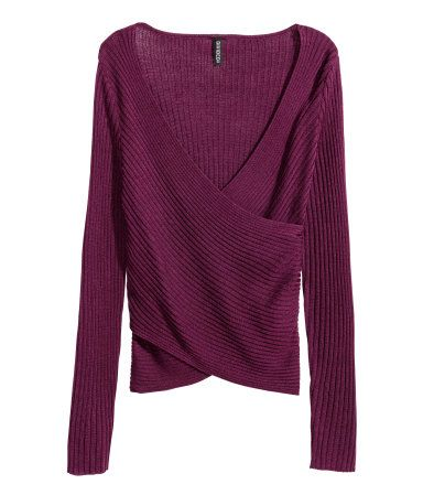 Aubergine. Long-sleeved top in a soft rib knit with a V-neck and wrapover front.