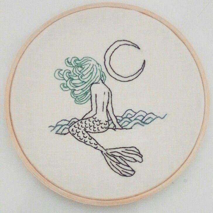 bordado sereia / mermaid embroidery   Janine Magalhães instagram.com/venusemflor