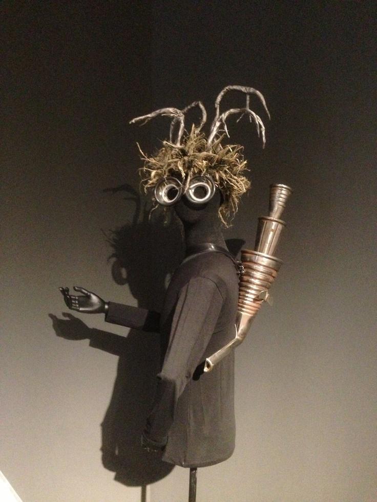 Kostüm nach einem Entwurf von Günter Brus.