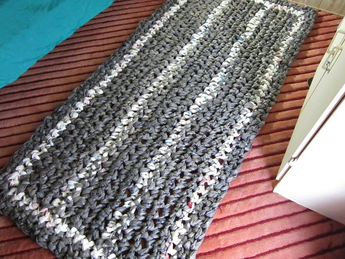 The Giant Plarn Rug A Free Crochet Pattern