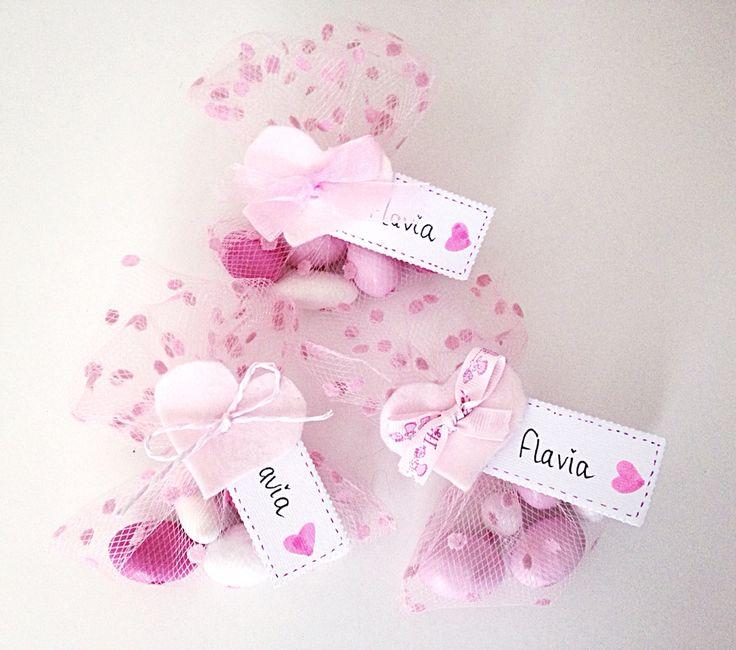 Fatayana - bomboniere nascita sacchetto tulle pois rosa con cuore in feltro e tag nome - confetti e fiocco in diverse varianti