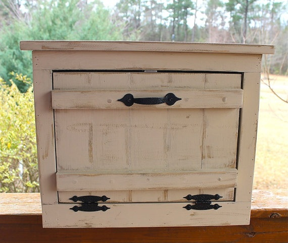 PRIMITIVE Country Bread Box for Kitchen by AmericasFrontPorch, $110.00