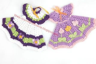 CrochetCraftMania: crochet potholders / oven mitts - no patterns for the dress but lots of color ideas.