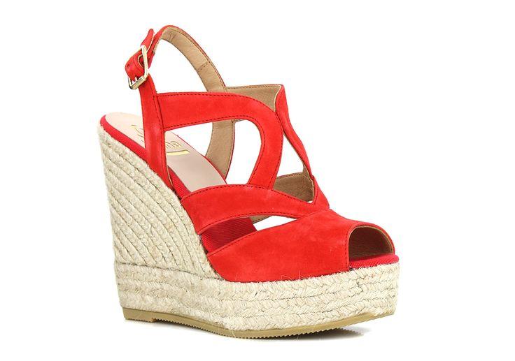 Kanna KV4043 LIPS en vente chez Carré Pointu ! Grand choix de tailles et livraison gratuite. la hauteur ! Cet été, on dégaine ses compensées ! Chaussure ouverte, port altier ... la chaussure compensée rehausse la personnalité !! A retrouver dans nos magasins de Nantes, Rezé et Saint Nazaire, ainsi que sur le e-shop www.carrepointu.com