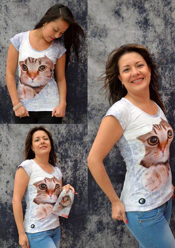Camiseta Gato agujero- Mujer  Elaborada en %100 poliéster  Precio $ 45.000  Tallas S- M- L Whatsapp 312 393 6893 contacto@subligrafica.com