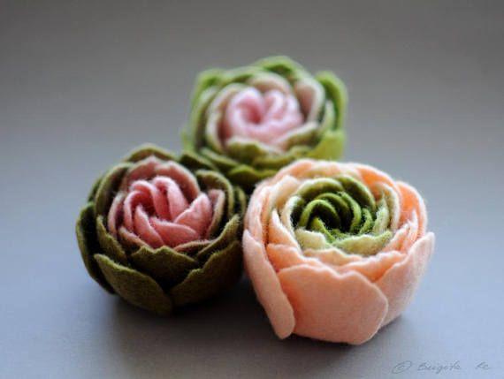 Set Of 3 Felt Ranunculus Flower Brooches Light Pink And Olive Green Ranunculus Felt Flower Brooches Floral Jewelry Textile Art Felt Flowers Flower Brooch Felt Jewelry