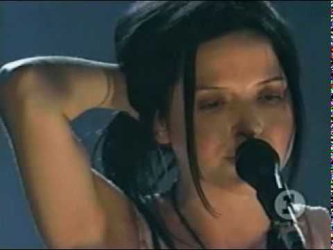 One of my favorite Ryan Adams' songs...▶ Bono & The Corrs - 'When the stars go blue' - YouTube