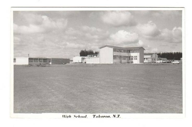 Real Photograph by N S Seaward of the High School Tokoroa. - 45855 - Postcard - Postcards N S Seaward - Postcards By Photographer - EASTAMPS