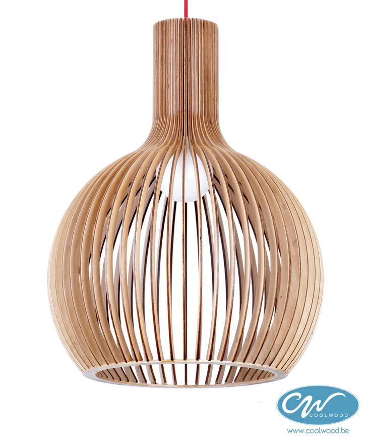 De drop lamp is vervaardigd uit latjes gelaagd essenhout for Replica lampen