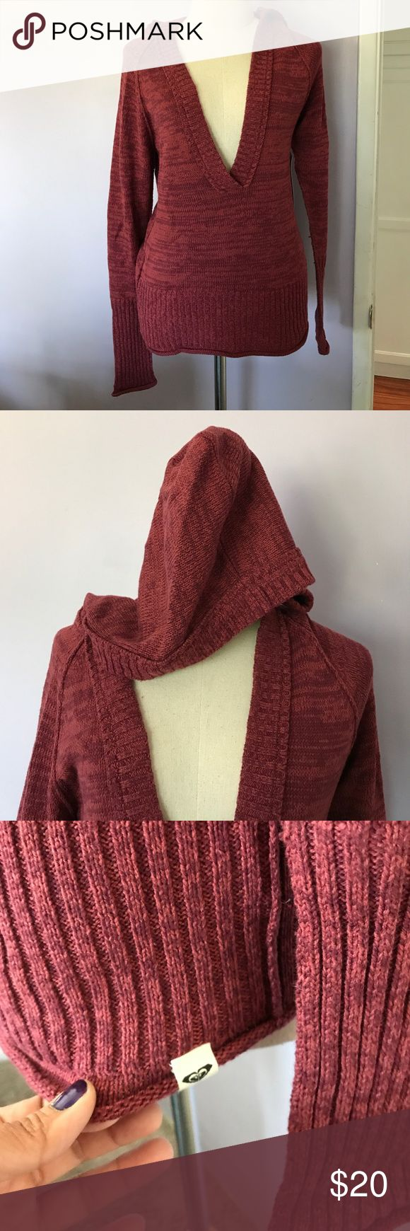 Roxy NWT reddish hooded pullover sweater Roxy NWT reddish hooded pullover sweater. Size XL juniors. Smoke free home. Roxy logo flag tag attached at the bottom left hand hem. Roxy Sweaters