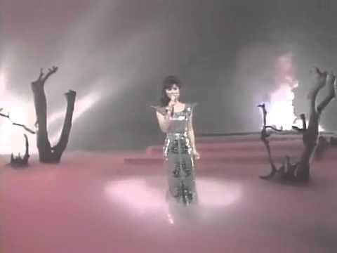 八代亜紀 AKI YASHIRO - 北国の春 - YouTube