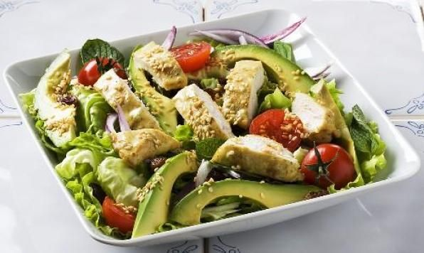 Creamy avocado, sesame-soy chicken strips and crispy Romaine laced with plump raisins, juicy tomatoes and a punch of red onion. Tossed together with a fresh mint and sesame dressing this salad is full of delightful bursts of flavour and texture.