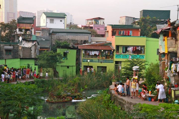 Ilhas artificiais que purificam a água de canais urbanos