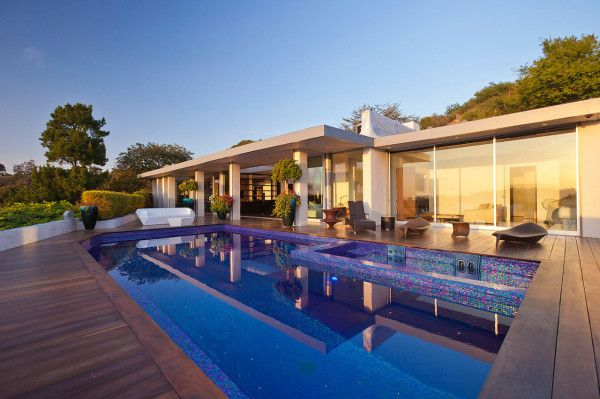 Swimming Pool View from Luxury Outdoor House with Swimming Pool in Beverly Hills LA1 600x399 Luxury Outdoor House with Swimming Pool in Beverly Hills, LA