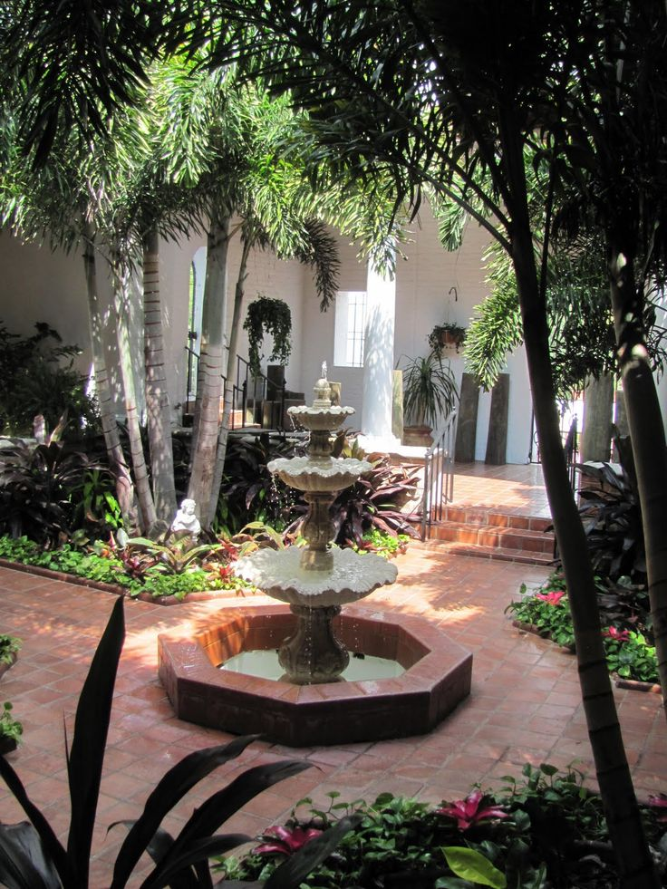 Charming Spanish Courtyard   Google Search