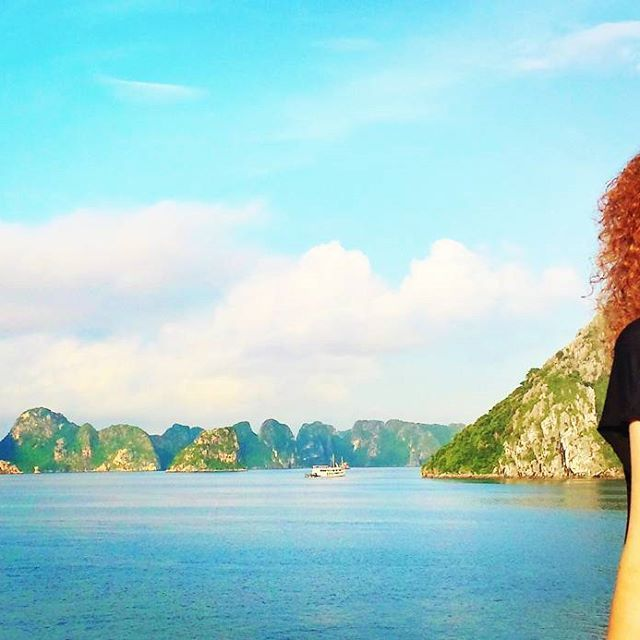 Halong Bay Vietnam one of the wonders, just amazing. Cruise with Paloma cruises. Halong Bay no Vietnam, uma das maravilhas do mundo, cruzeiro com Paloma cruises