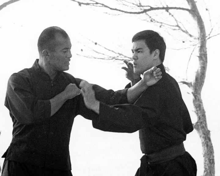 a biography of bruce lee the father of jeet kun do Biography and profile of bruce lee a martial arts master the biography and story of bruce lee began on november 27, 1940 in san francisco, california the kung fu background of bruce lee lee's father, lee hoi-cheun.
