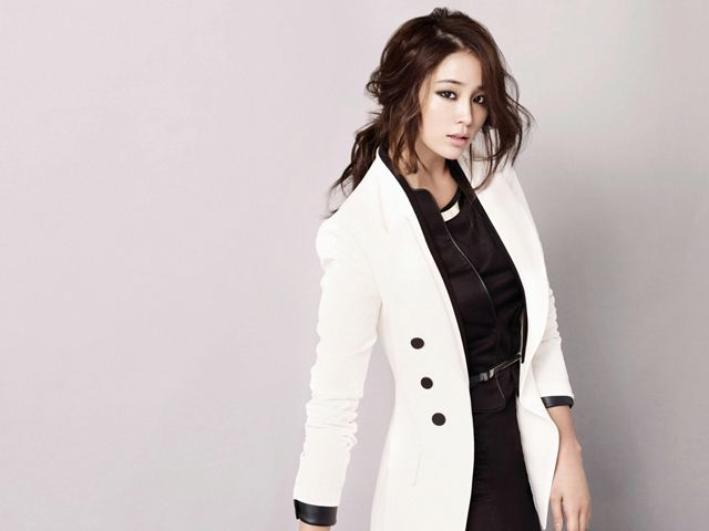 Lee Min Jung..