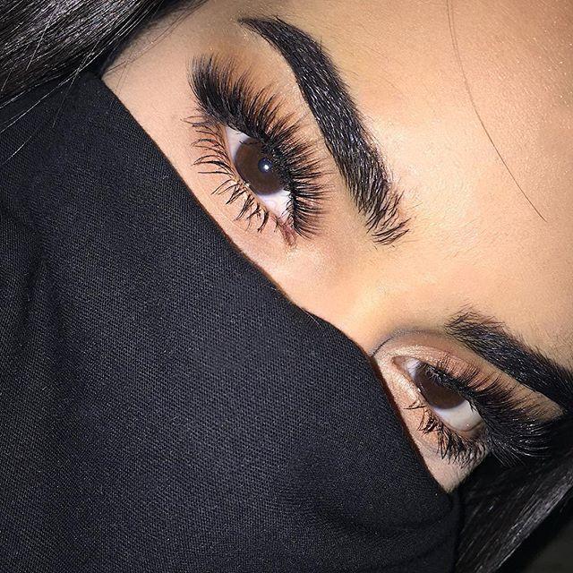 Картинки с черными глазами только глаза