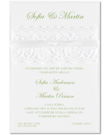 Lovely Laces - spetsprytt inbjudningskort i vitt. #calligraphenwedding #calligraphendetails #wedding #bröllop #invitations #inbjudningskort #bröllopskort #spets #laces #winter
