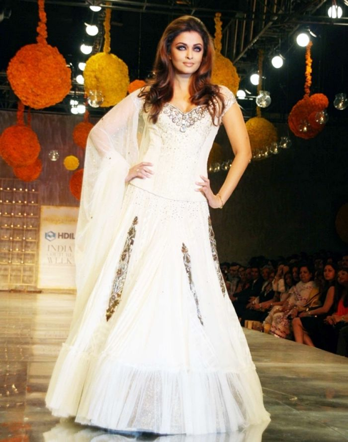 Indian Bridal Wedding Lehengas & Gowns 2016-2017 | BestStylo.com