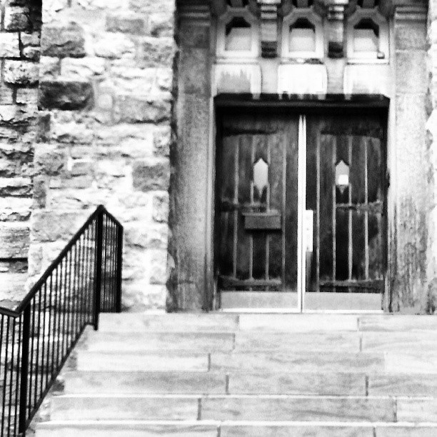 Amazing black and white photo by http://instagram.com/reeksc ! #GoBillings
