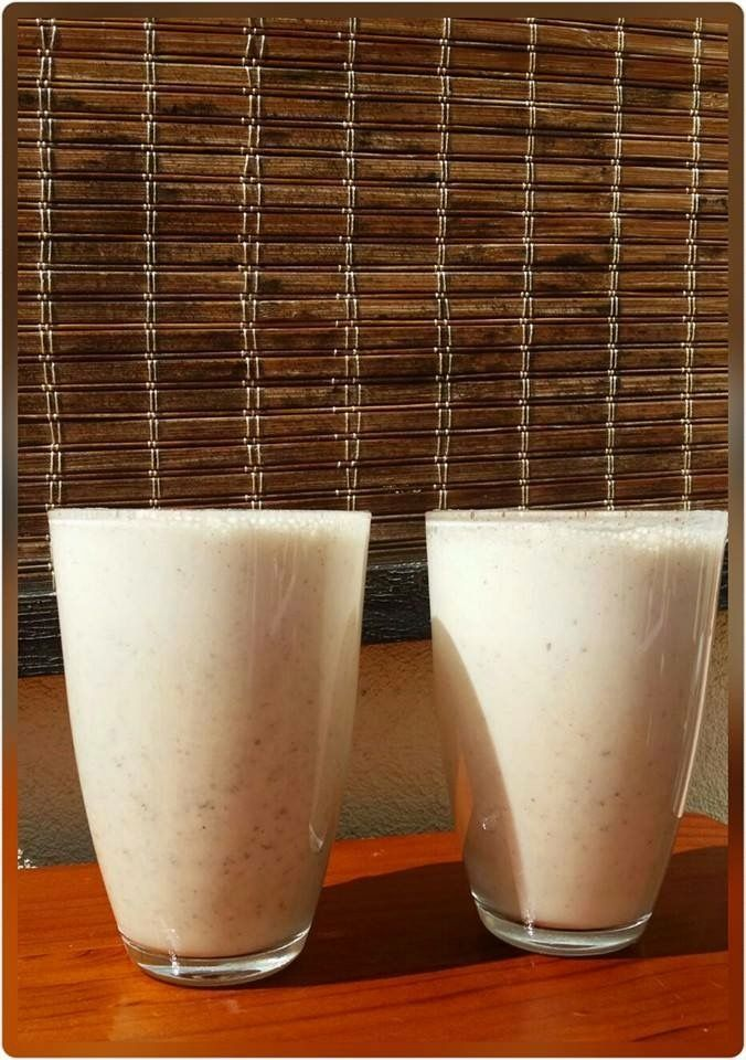 Nourishing Power Smoothie. High protein, healthy post workout drink. Banana, flaxseed, chia seeds.
