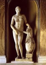 AFRODITA, diosa del amor y la seducción, esposa del mas feo pero también el mas creativo de los dioses hefestos-