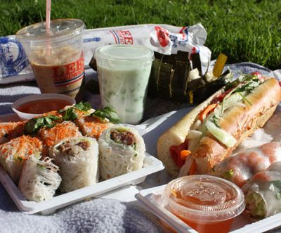 Picnic Finger Foods | Picnic Ideas: How to Plan a Picnic - WineGuppy