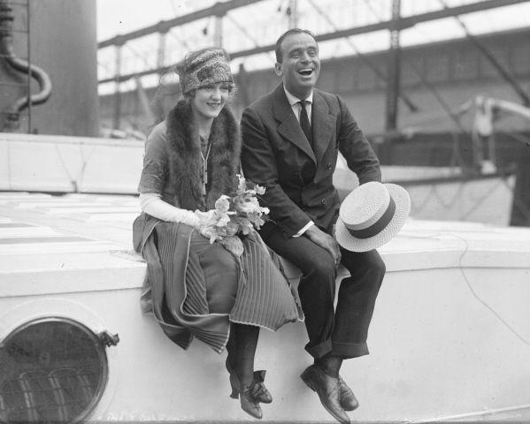 O casal de astros hollywoodianos do cinema mudo Mary Pickford e Douglas Fairbanks: talhares de ouro (Foto: Arnaldo Lorençato)