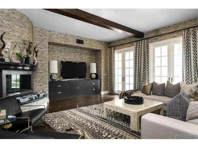 102 best images about designer jeff andrews khloe for Decoration maison kardashian